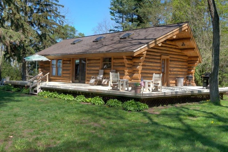 Take A Break By The Lake!, vacation rental in Allegan County