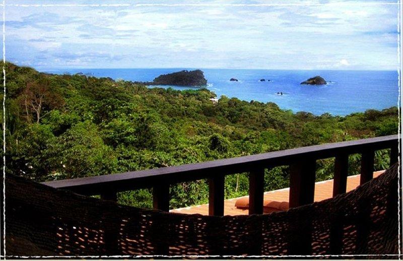 Gorgeous Views of Pacific and Rainforest, location de vacances à Parc national Manuel Antonio