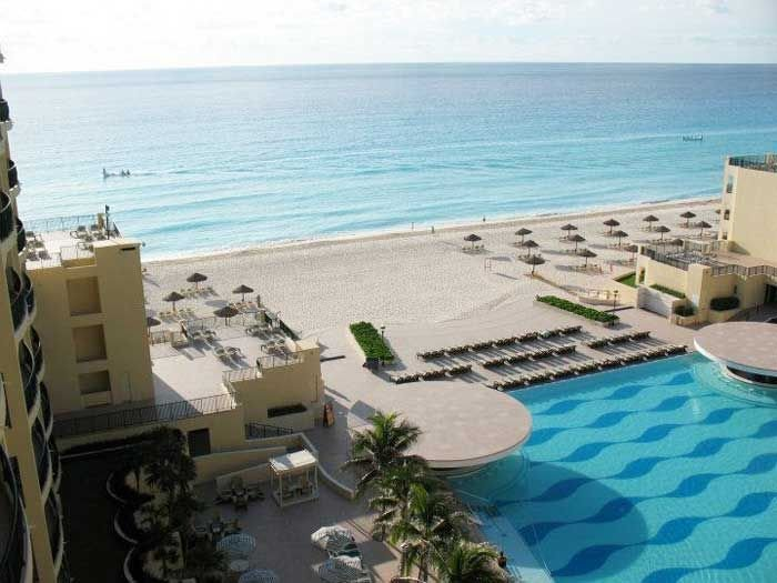 Royal Sands Resort & Spa: Best Section of Beach/Ocean in CANCUN! – semesterbostad i Cancún
