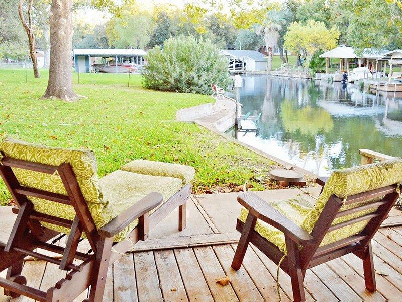 Peaceful Paradise At Waters Edge, alquiler de vacaciones en Kingsland
