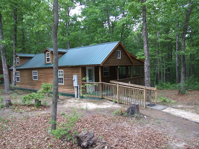 SS-Secluded Cabin in Woods-Cumberland Plateau Retreat(Three + nights $100 off), vacation rental in Beersheba Springs
