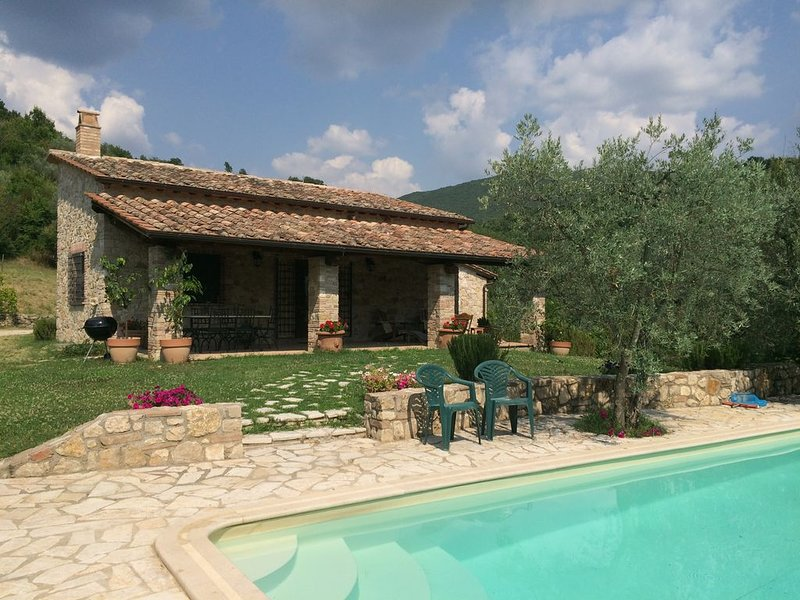 Perfect Italian Country Retreat, vacation rental in Guardea