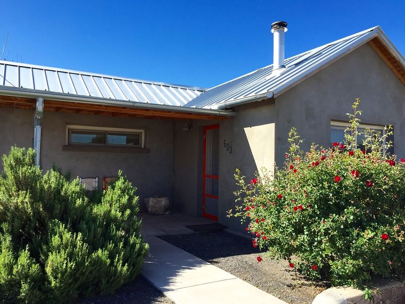 Fancy Pony Land House, vacation rental in Marfa