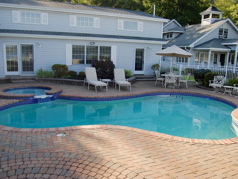 2 Home Lake Front Estate with lake-front heated pool and hot tub, vacation rental in Chautauqua County
