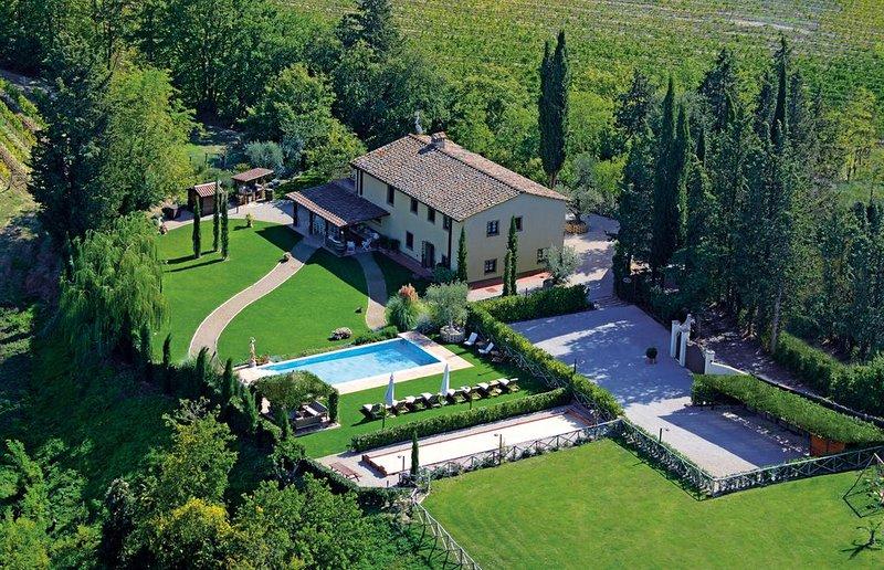 Luxury Private Villa San Gimignano,6 Ensuite rooms,Heated Swimming Pool ,Sauna., vakantiewoning in Ulignano