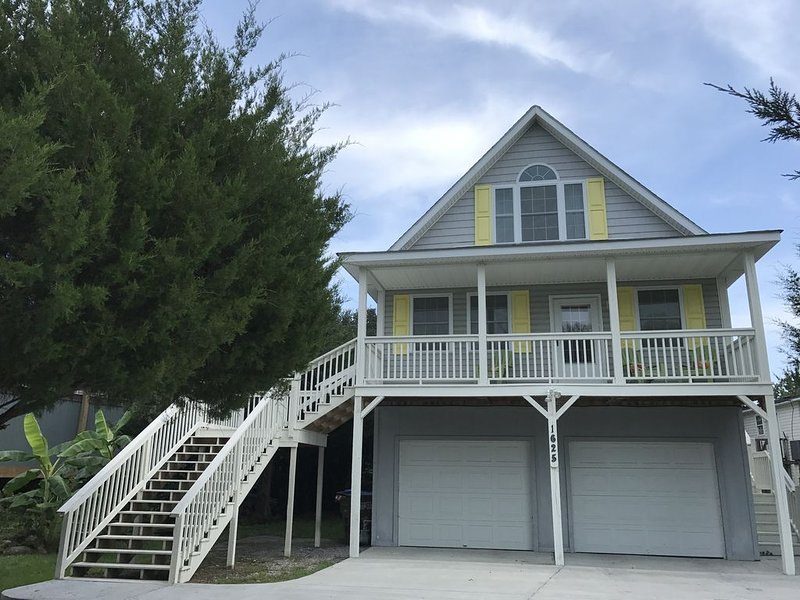 Close to Beach and Downtown, vacation rental in Charleston
