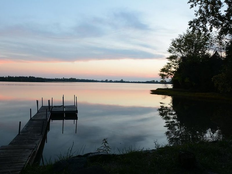 Recently Renovated Lakefront House in the Heart of Prince Edward County, holiday rental in Consecon