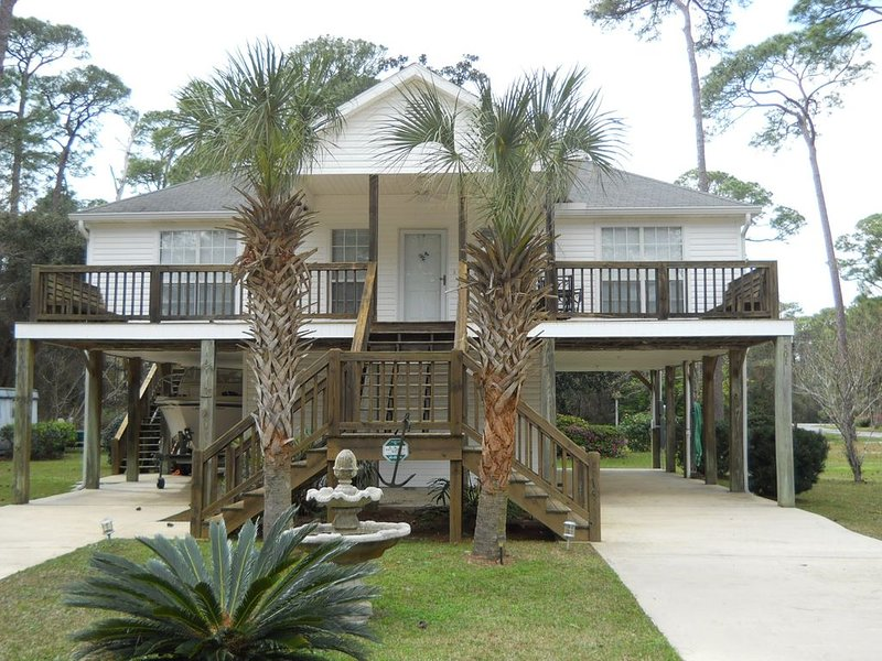 SUMMER SPECIALS!!!  3BD/2BA, Quiet Enjoyment at  a great price!, holiday rental in Fort Morgan