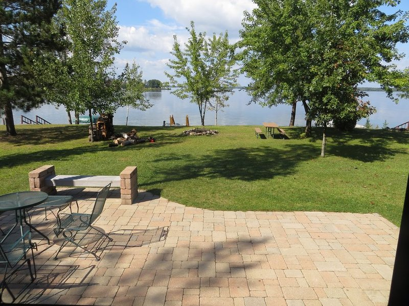 Vacation Cottage on the water with your own dock, Castle Rock Lake WI  $1,036/w, alquiler vacacional en Adams