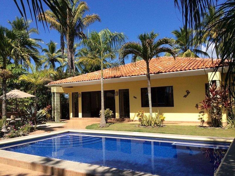 Costa Rica, On the Beach. / Air conditioning included, aluguéis de temporada em Bejuco