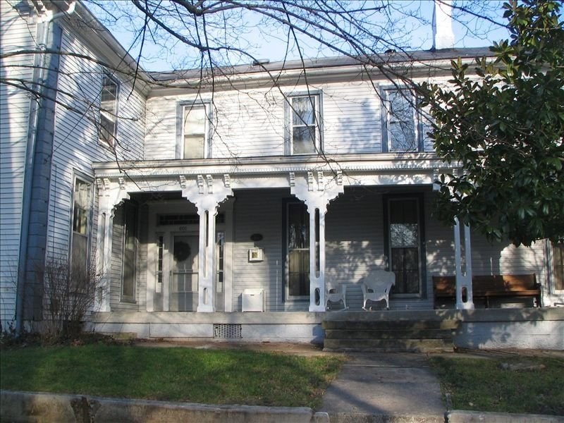 Historic Home - Victorian Stage Coach Inn, holiday rental in Russellville