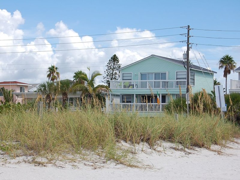 Sunset Beach Gulf Front Sunset View Home, holiday rental in Treasure Island