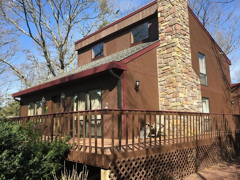 Mountain House at the Beach! 3 blocks to beach!, vacation rental in Lower Township