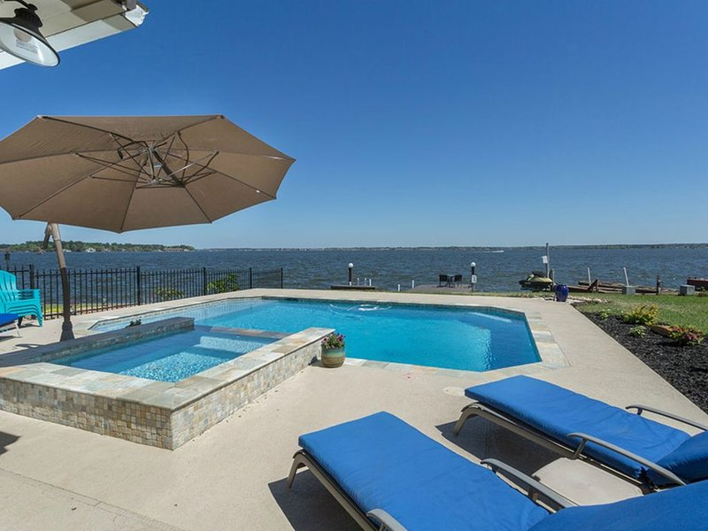 Luxury Lakefront Home with Spectacular Pool and Spa!!!  Tremendous Lake Views!!!, holiday rental in Montgomery