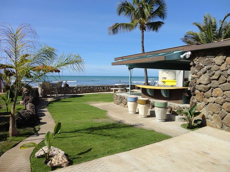 Beach House Perfect Location for Anyone Looking for Paradise, vacation rental in Waipahu