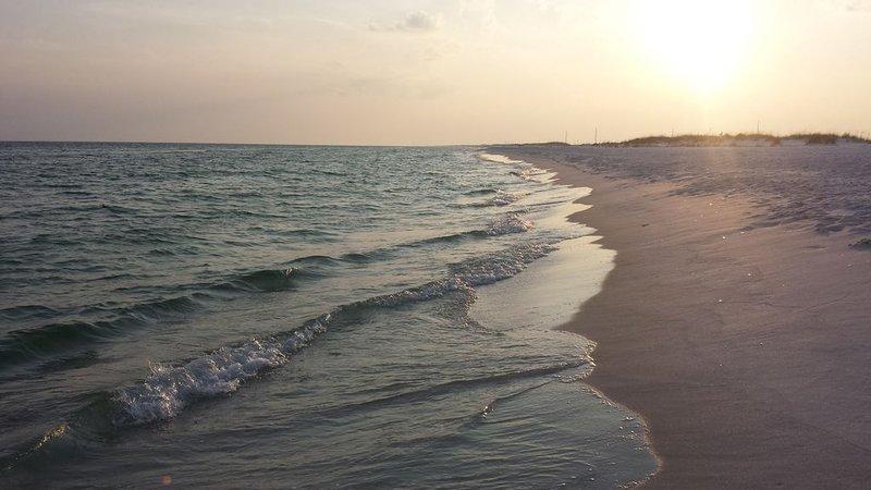 Destin/Ft Walton Beach - Gulf Front and Beautiful!, aluguéis de temporada em Mary Esther