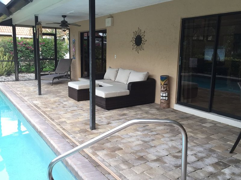COZY/PVT HOME, GATED COMM, HEATED POOL, CLOSE TO BEACH, vacation rental in Bonita Springs