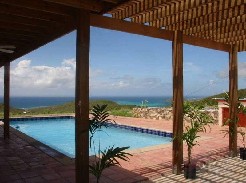 Seabreeze Cotton Grove, Unbeatable View, holiday rental in St. Croix