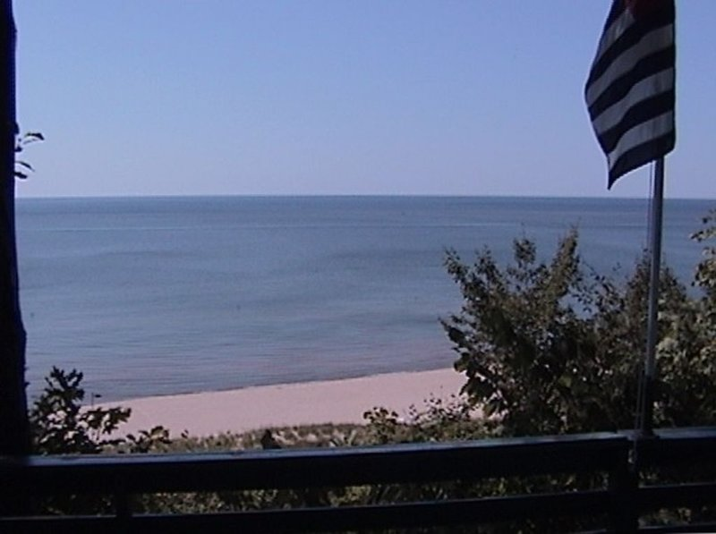 On Lake Michigan — Large sandy beach - ask for early check in and late checkout, holiday rental in Grand Haven