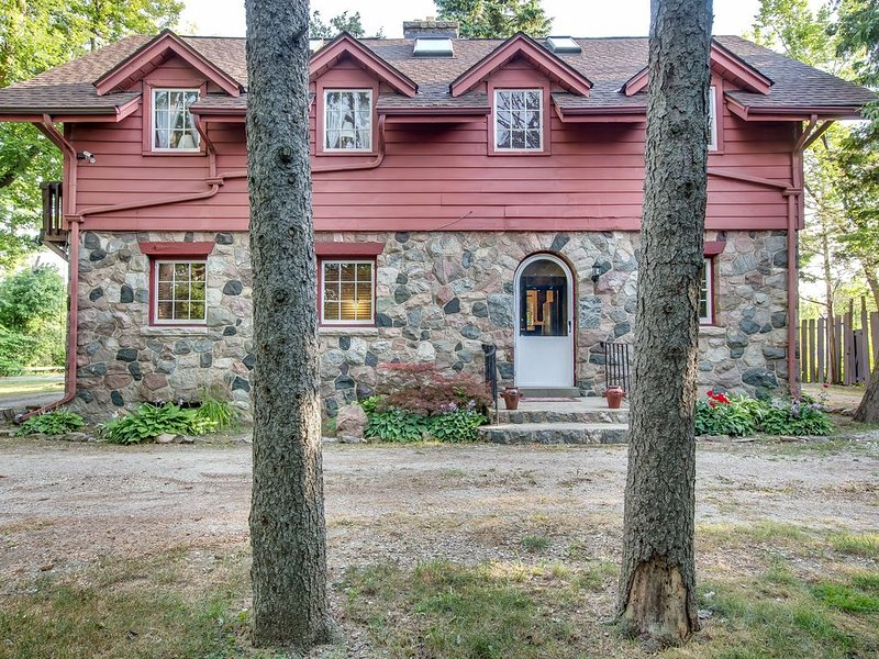 Vacation Home Offering  Country Setting in Ann Arbor, holiday rental in Ann Arbor