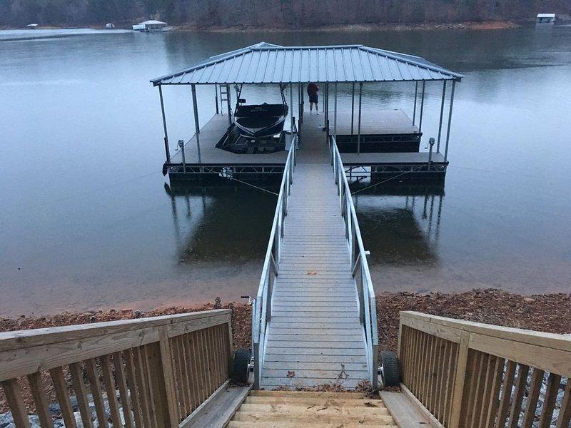 Private Setting On 4 Acres On Lake Lanier, location de vacances à Gillsville