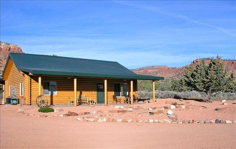 Goldena's Cabin in Kanab- Great Views, location de vacances à Kanab