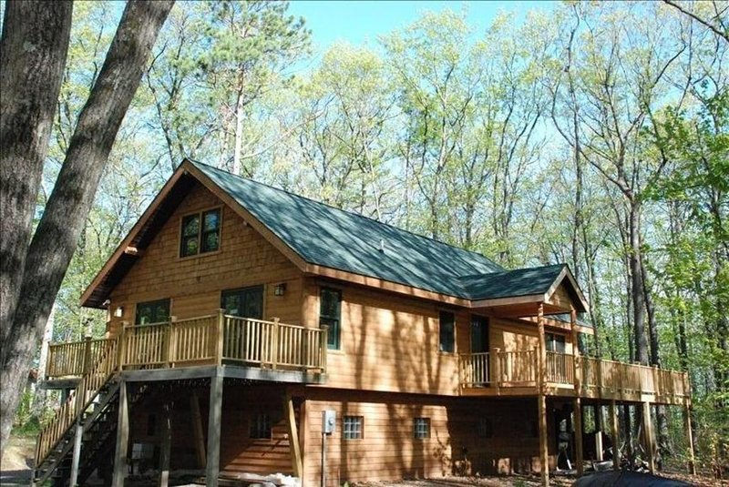 Newer Lake Cabin on Lac Courte Oreilles, Near Hayward, WI, alquiler de vacaciones en Radisson
