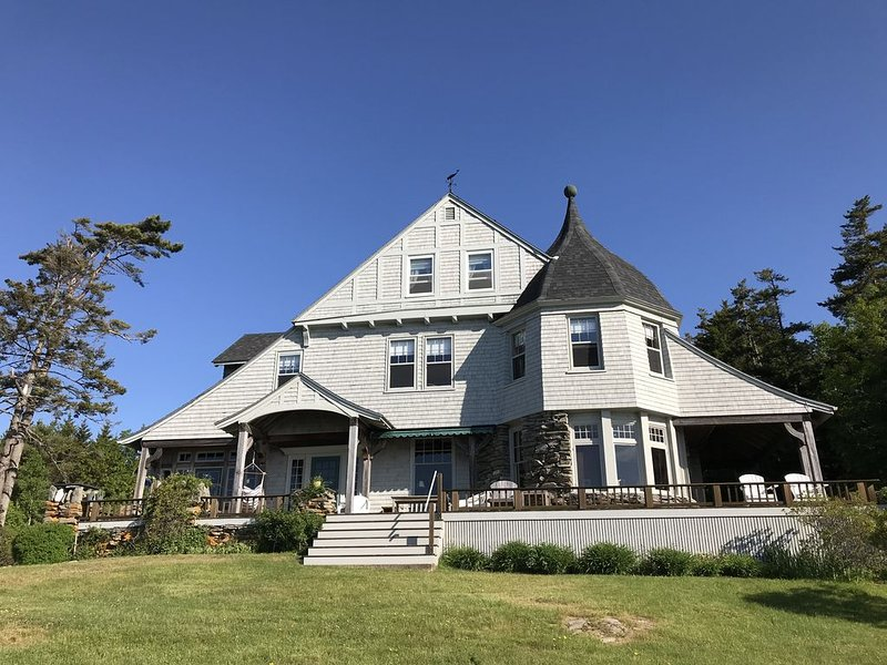Spectacular Oceanfront House on Maine Coast, holiday rental in Orrs Island