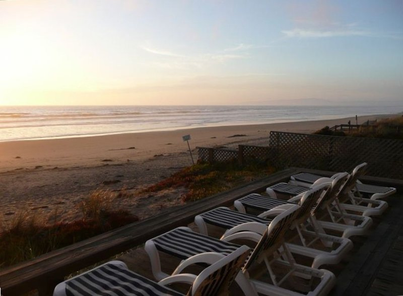 Oceanfront Home & Guesthouse - Panoramic Views, holiday rental in Pajaro Dunes