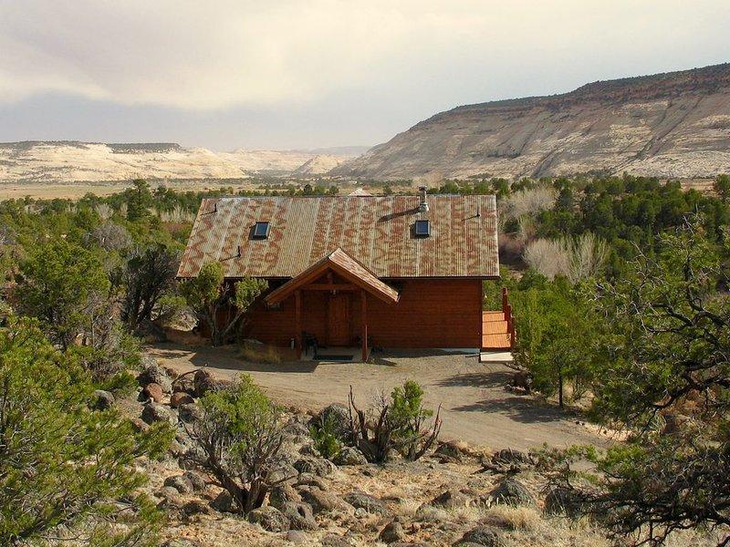 Rustic Cabin in Beautiful Boulder, location de vacances à Boulder