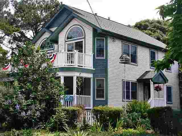 Lake Lily Retreat 4 Bedroom/2 Baths, vacation rental in Cape May Point