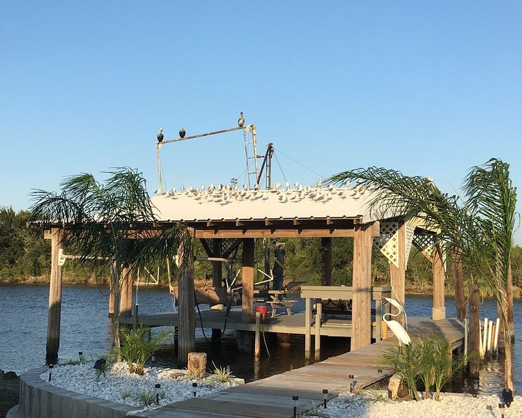 Fish and Relax in Cocodrie, holiday rental in Houma