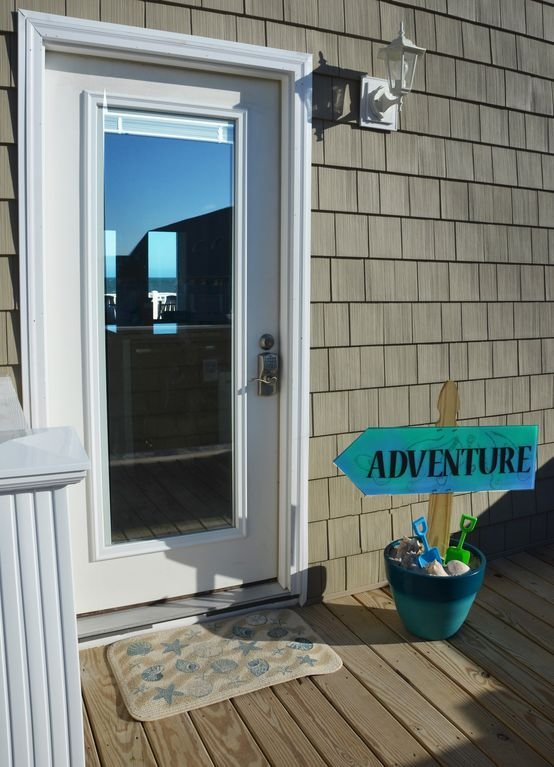 Street side door - laissez l'aventure commencer!