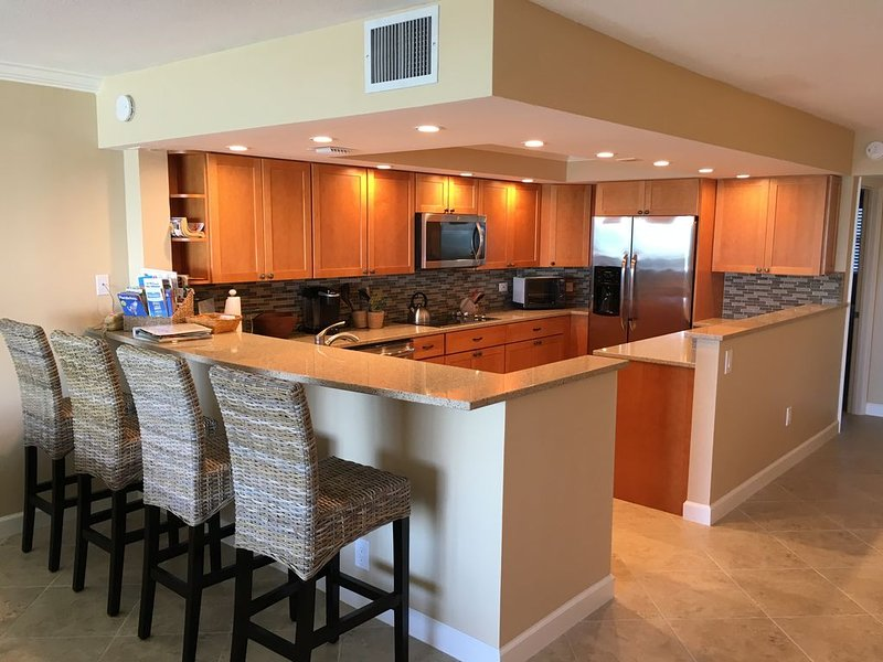 Special Oceanfront Key Colony Beach Condominium, Newly and Completely Renovated, holiday rental in Key Colony Beach