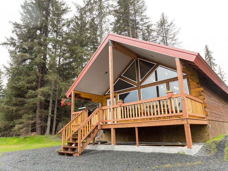 Private cabin with a view of the mountains like you've not seen before!, location de vacances à Seward