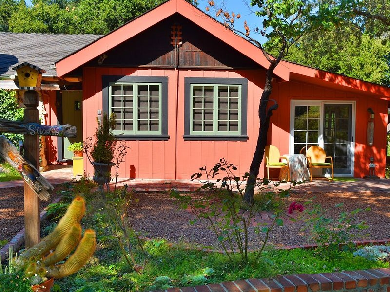 Artist's Library Garden Apartment for Two, location de vacances à Monterey County