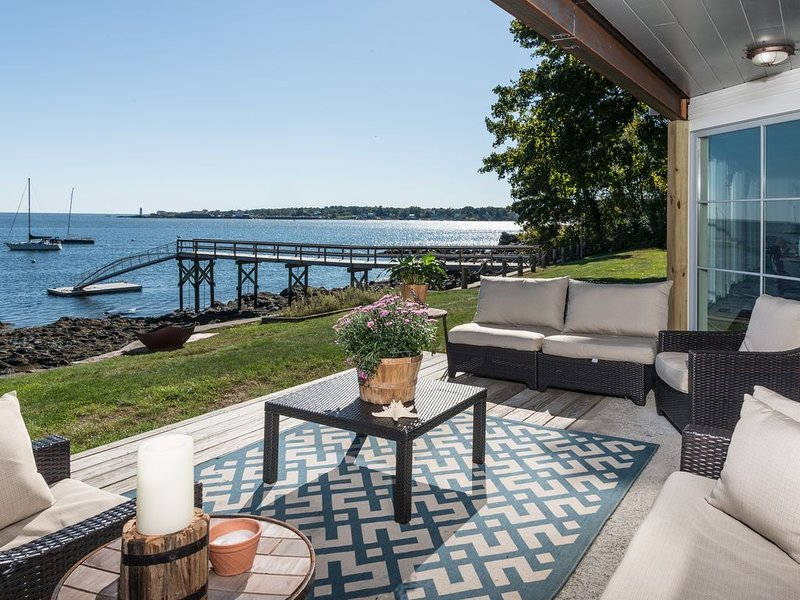 Majestic Views with a Spa like feel - Perfect for Small Weddings, holiday rental in Kittery