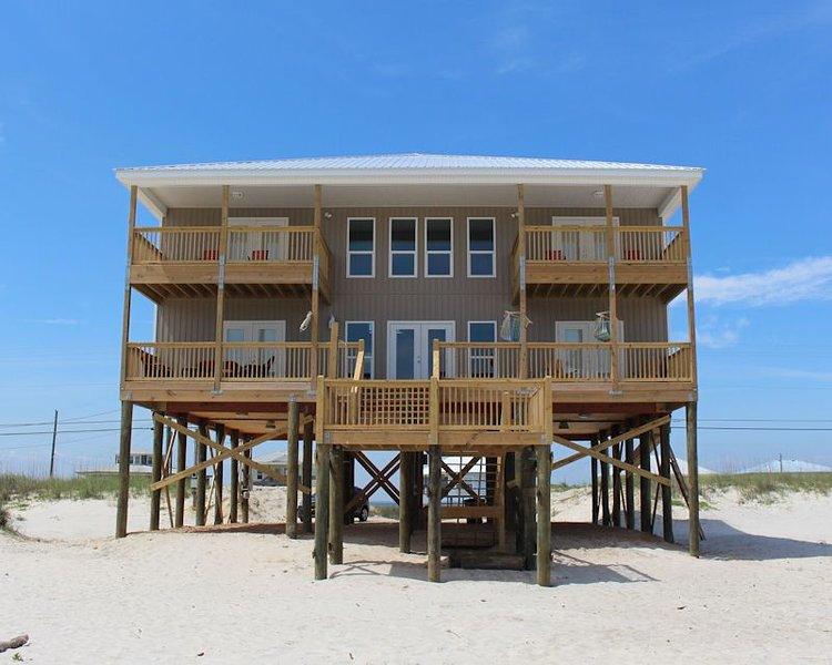 Gulf Beachfront Six Bedroom, Six Bath Custom Home, location de vacances à Coden
