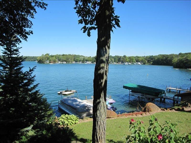 Lauderdale Lakes (Green Lake) -Lake Front Home-Gorgeous Views!, holiday rental in Mukwonago