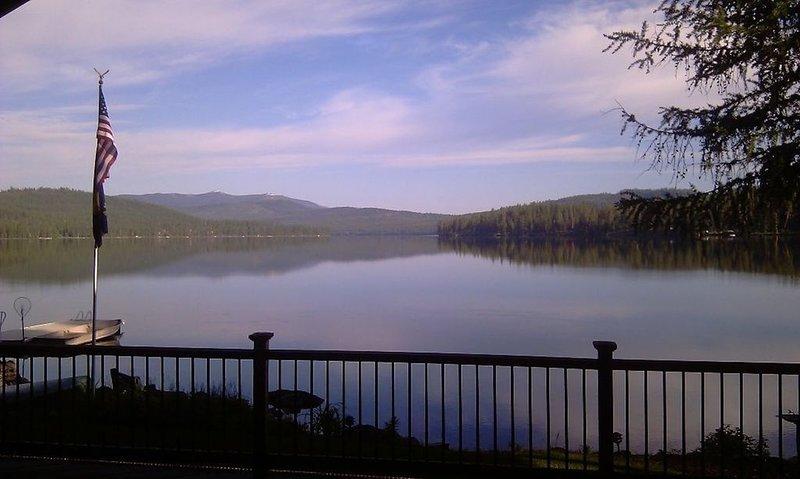 McGregor Lake Guest Ranch on 2.5 Acres with 175' of Frontage, location de vacances à Marion
