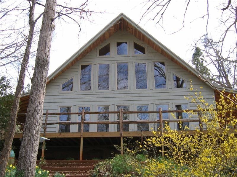 Rustic Chalet  on 75 Acres: :, holiday rental in Elmore