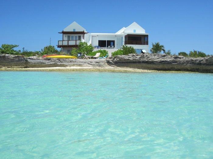 Villa Luna Sea - Oceanfront living!