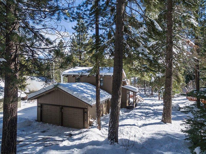 Ideal Northstar Location, On demand Shuttle to Ski Resort and Village – semesterbostad i Truckee
