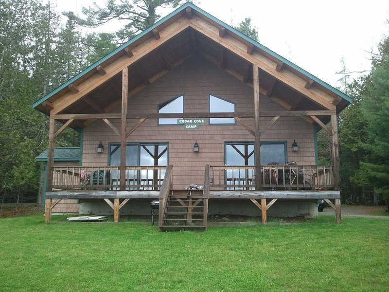 280 Shore Road Camp, Dexter, ME, holiday rental in Sebec