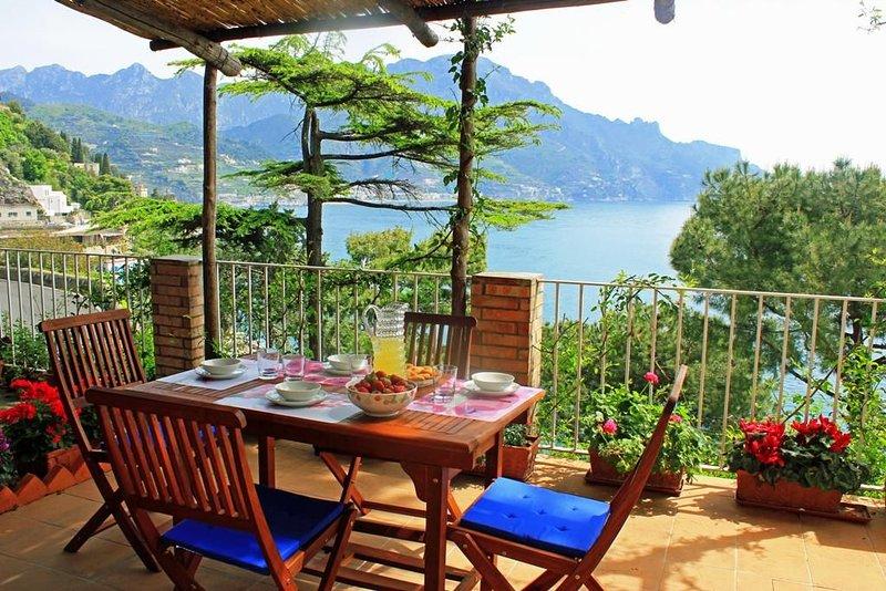 Panoramic apartment close to Amalfi's center, alquiler de vacaciones en Amalfi