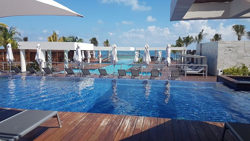 5 Star Beach Resort! Luxury at its Finest – semesterbostad i Cancún