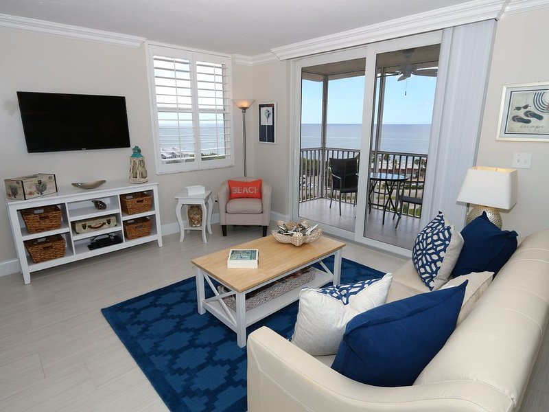 Beautifully appointed and remodeled Studio on the Beach with Gulf Views!, vacation rental in Bonita Springs