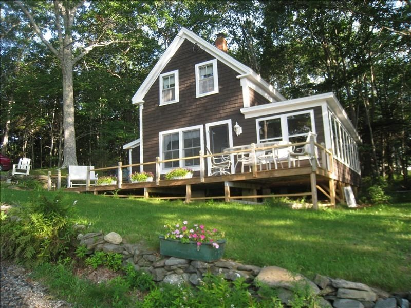 Charming Woodsy Cottage - Ocean View with Monhegan Island, holiday rental in Bristol
