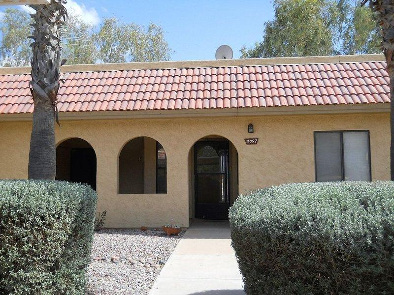 Charming 2 Bedroom/2 Bath Condo By Golf Course, vacation rental in Arizona City