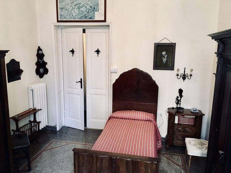 8 posti letto in casa d'epoca 100metri dalla spiaggia in centro città e garage, casa vacanza a Santa Margherita Ligure